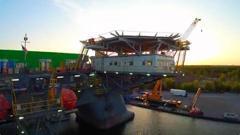 Deepwater Horizon Set Construction 480px.jpg